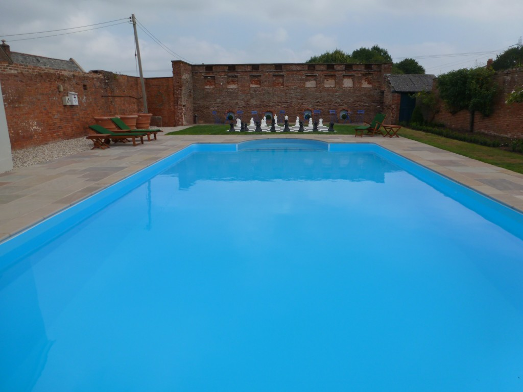 16 swimming pool builders west midlands decor23 for Swimming pool builders