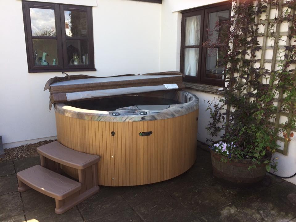 series beachcomber tub bamboo hot tubs terrazzo slb steel air acrylic
