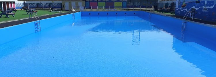 Bathurst Pool has a beautiful new liner!